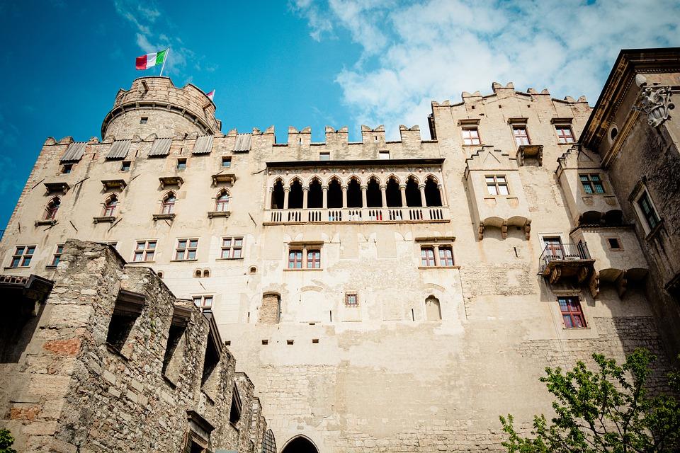 Trento riparte. <br>Estate d'arte nei castelli