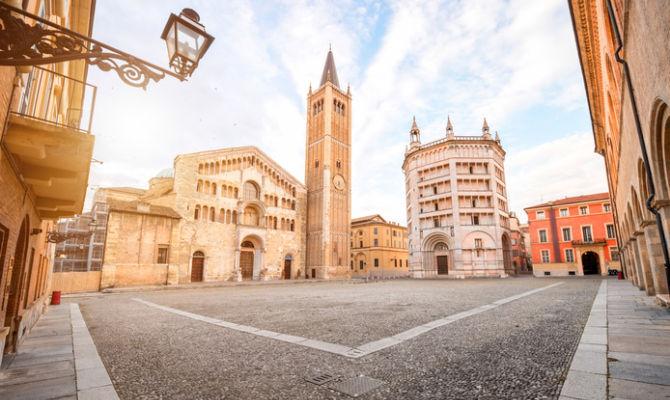 La bellezza della piazza Duomo di Parma