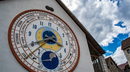Benvenuti a Pesariis, il paese degli orologi